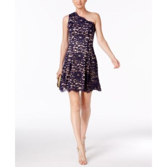 Vince Camuto Dresses & Skirts - Vince Camuto One Shoulder Dress
